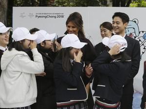 Tawa Akrab Melania Trump dan Minho Shinee Saat Berkunjung ke Seoul