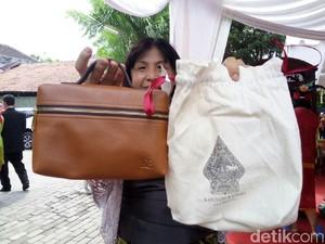 Foto: Warna-warni, Ini Tas Kecil Suvenir di Resepsi Putri Jokowi