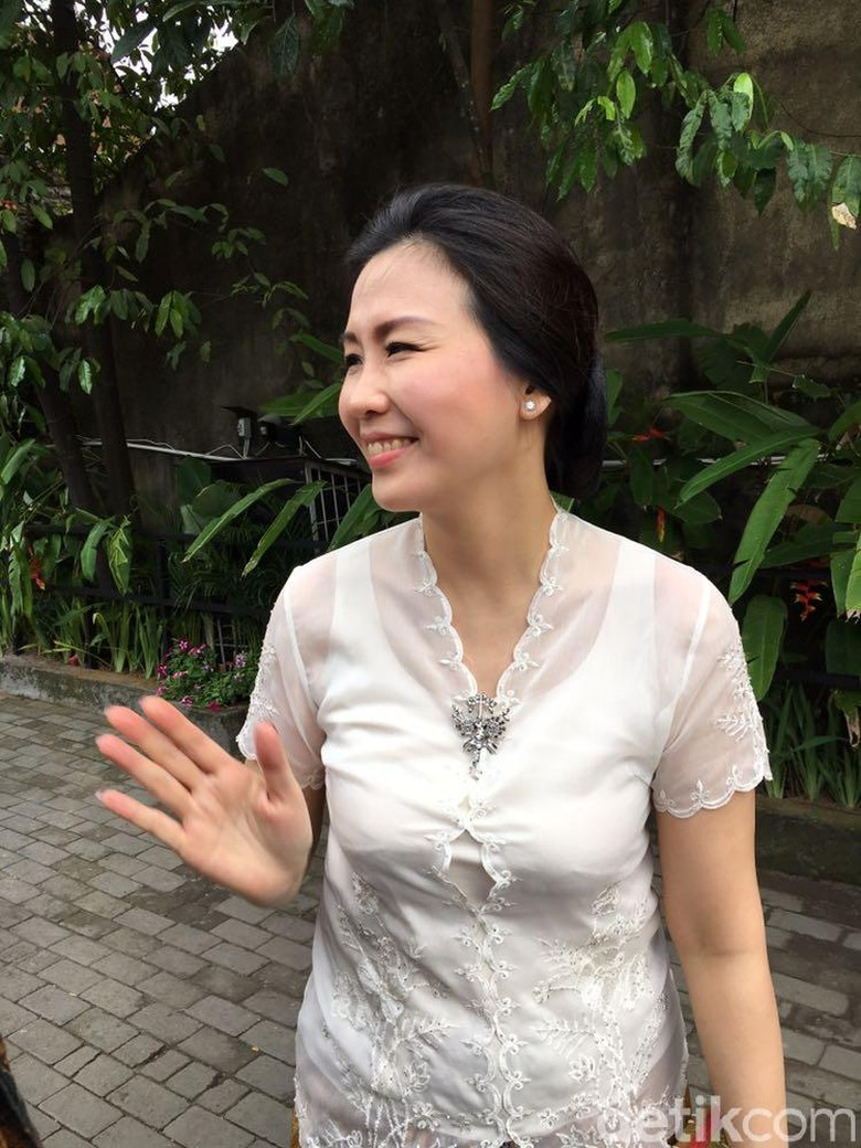 Begini Penampilan Veronica Istri Ahok di Pernikahan Kahiyang-Bobby