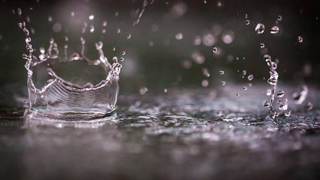 Sebagian Besar Jateng Hari ini Diprakirakan Hujan Ringan hingga Sedang