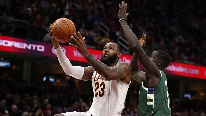 Cleveland Cavaliers kalahkan Milwaukee Bucks (Gregory Shamus/Getty Images)