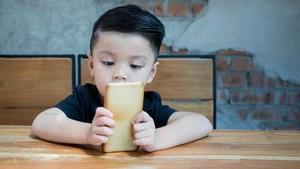 Hendak Beri Gadget untuk Anak? Perhatikan 3 Hal Ini Dulu, Bun