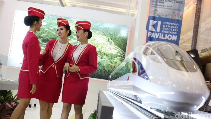 Seperti kereta cepat ini. Rencananya kereta cepat Jakarta Bandung ini akan melayanirute tersebut.