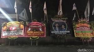 Ada Karangan Bunga atas Nama Fahri Hamzah di Resepsi Kahiyang