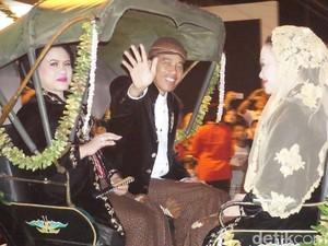 Jokowi akan Disambut sebagai Raja di Pesta Adat Pernikahan Putrinya