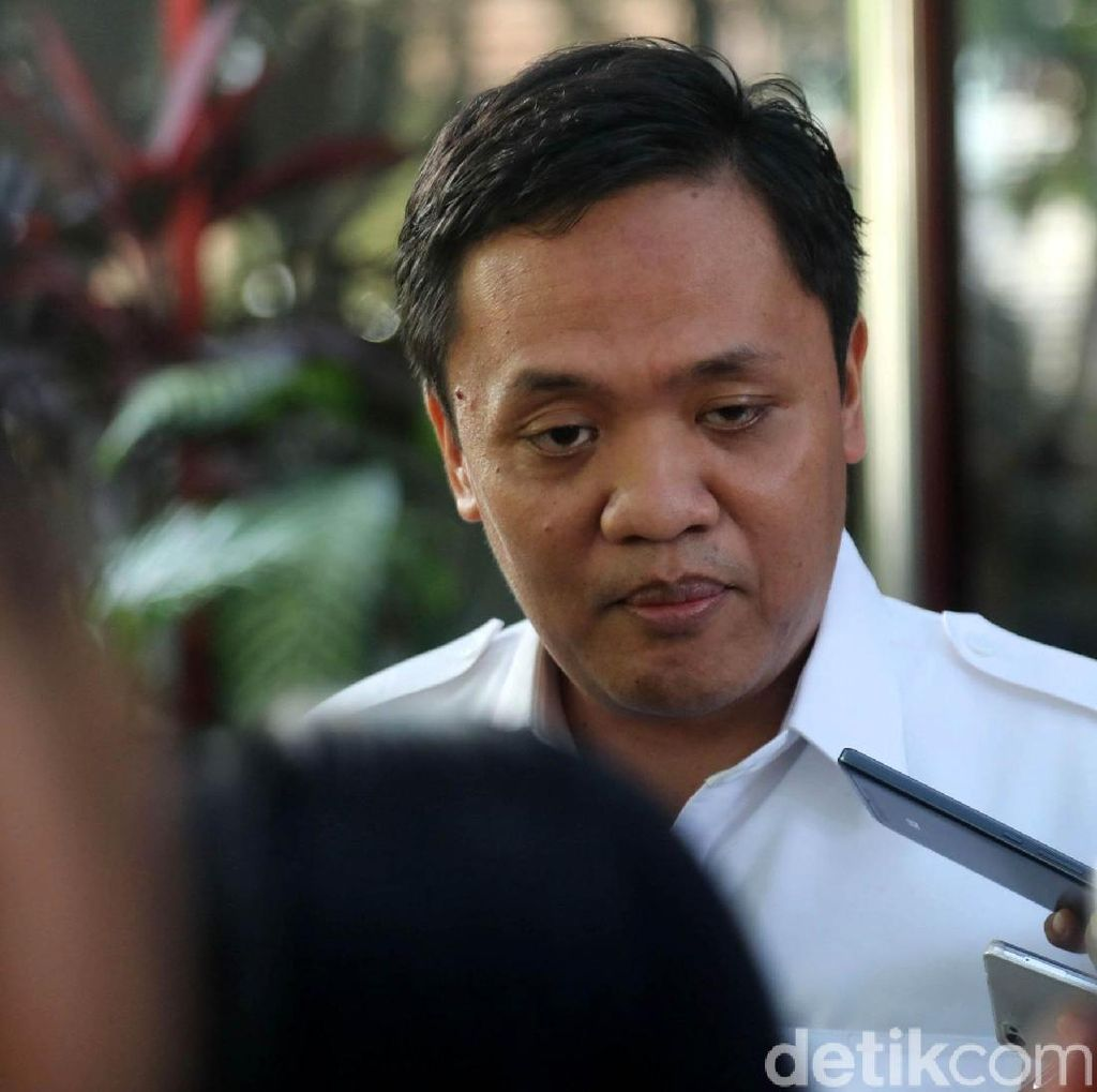 Gerindra Bela Fadli Zon soal Cuitan Potong Bebek Angsa PKI