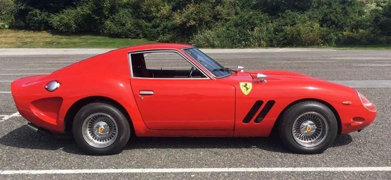 Modifikasi Datsun menjadi mobil Ferrari Foto: Pool (Carsscoop)