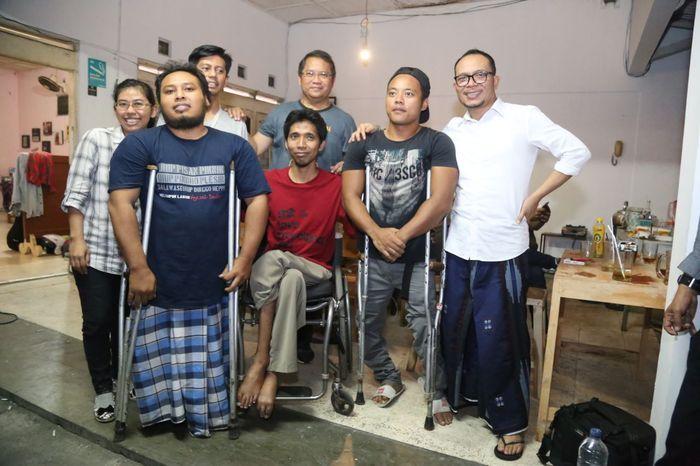 Foto: Menteri Ketenagakerjaan M Hanif Dhakiri berbincang dengan kaum difabel (Dok. Kemnaker)