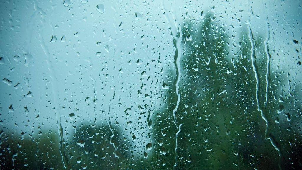 BMKG: Hujan Lebat Berpotensi Terjadi di Jawa 5 hari ke Depan