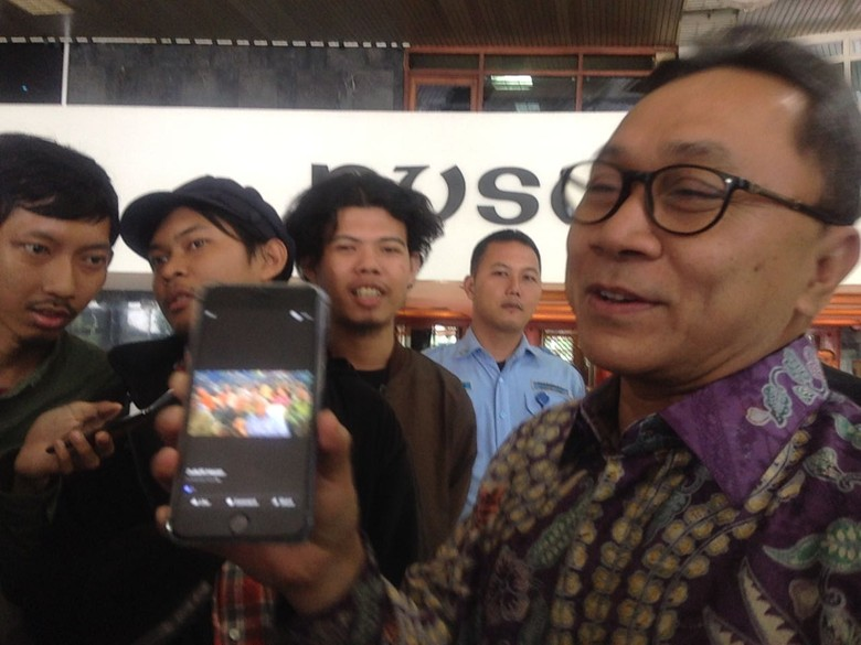 Ketum PAN Pamer Foto Bareng Ganjar, Sinyal Dukungan di Pilgub Jateng?