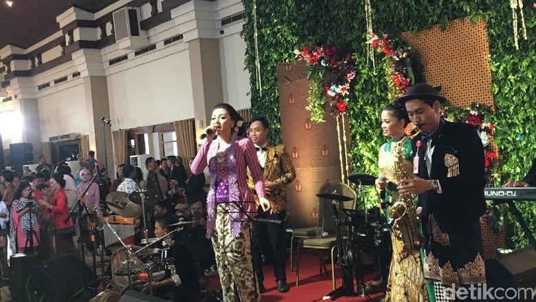 Saat Vicky Shu Menggoyang Pesta Pernikahan Putri Jokowi