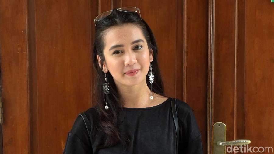 Penampilan Manis Dhea Annisa, Masih Imut?