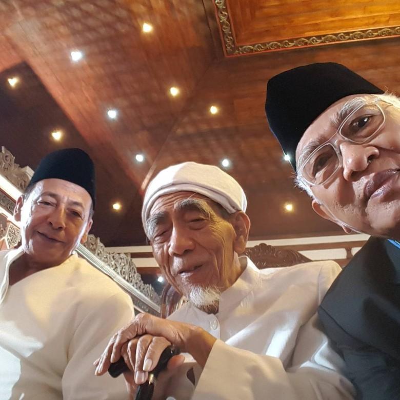 Adem Banget! Saat 3 Ulama Selfie di Pernikahan Putri Jokowi