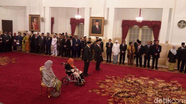 Penetapan nama pahlawan nasional di Istana Negara