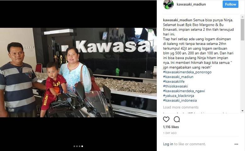 Keluarga Ini Beli Motor Ninja Pakai Uang Receh (Foto: Screenshot Instagram @kawasaki_madiun)