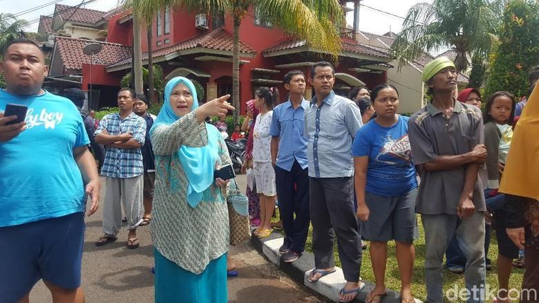 Emak-emak Kompleks Penasaran Prarekonstruksi Pembunuhan PRT Depok