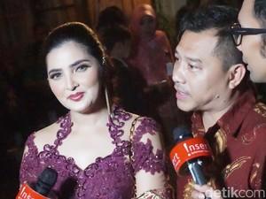 Dadakan Pilih Baju, Ashanty Tetap Cantik Berkebaya di Resepsi Kahiyang