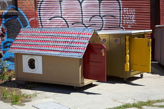 Gregory Kloehn punya ide membangun rumah kecil yang bisa dibawa tunawisma ke mana-mana. Istimewa/Boredpanda.