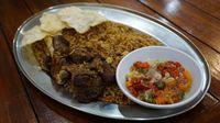 Harum Rempah Nasi Goreng Kebuli Enak Ada di 5 Tempat Ini
