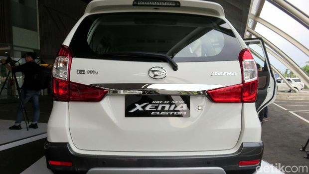 Daihatsu Xenia Custom