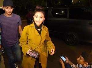 Dihujat Netizen, Rabbani Ungkap Alasan Beri Kerudung Gratis ke Rina Nose