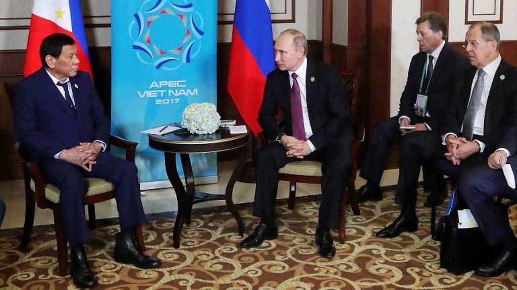 Duterte Tingkatkan Kerja Sama, Putin Janjikan Lebih Banyak Vaksin Corona