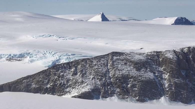 Benua Antartika yang tidak boleh dilintasi pesawat (Mario Tama/AFP)