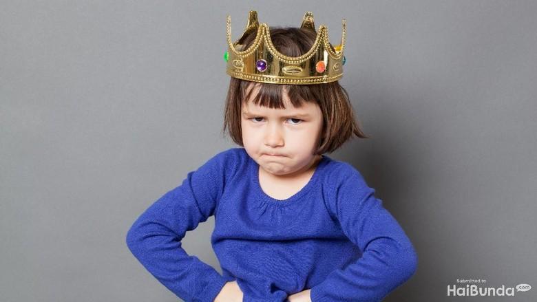 Saat Anak Sadar Dirinya Dijadikan Bahan Omongan dan Merasa Malu/ Foto: Thinkstock