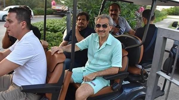 Pangeran Alwaleed menghabiskan uang sebanyak £ 558.000 saat berlibur di Turki bulan Agustus 2017 lalu. Bersama rombongan, ia menikmati sebuah resor di Bodrum (Dok hurriyetdailynews)