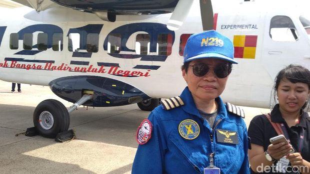 Esther Gayatri, pilot penguji N219
