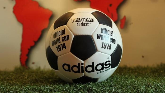 Bola Piala Dunia 1974 - Adidas Telstar Durlast