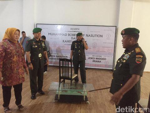 Pangdam I/Bukit Barisan Mayjen Cucu Somantri mengecek persiapan dan rencana pengamanan rangkaian acara pernikahan putri Presiden Joko Widodo, Kahiyang Ayu dengan Bobby Nasution, Sabtu (11/11/2017)