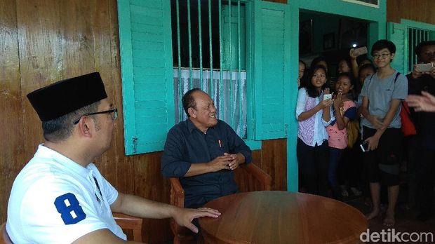 Ridwan Kamil saat berdialog bersama siswa di rumah sejarah Rengasdengklok.