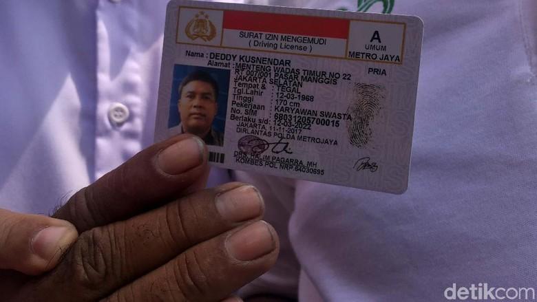 Surat Izin Mengemudi (SIM). Foto: Indra Komara