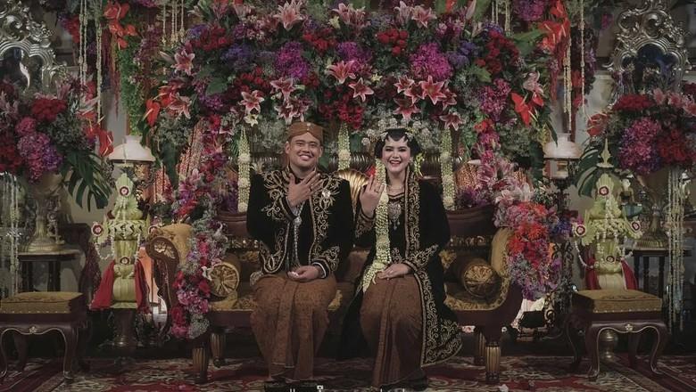 Pamer Cincin Pernikahan Bareng Bobby, Kahiyang: Ciyeee Halal