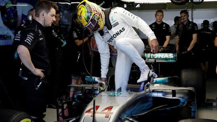 Suasana paddock Mercedes (Paulo Whitaker/Reuters)