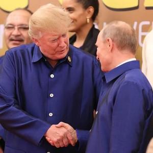 Diplomasi Santai Ala Trump dan Putin: Senyuman dan Foto Bersama