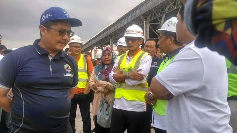 Foto: Sandiaga Tinjau Proyek Asian Games