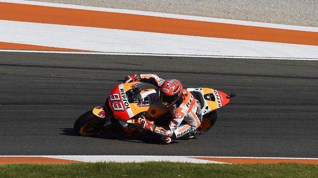 Johann Zarco menganggap Marc Marquez sukses meneruskan kejayaan nama besar Honda di ajang MotoGP.