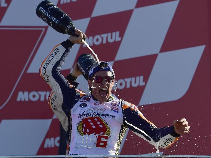 Marc Marquez juara dunia Motogp 2017 (AFP PHOTO / PIERRE-PHILIPPE MARCOU)