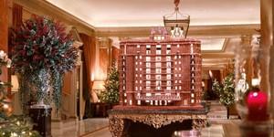 Hotel Mewah Ini Membuat Miniatur Hotel Seperti Aslinya dari Kue Jahe