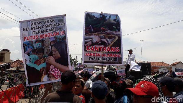 Tolak Laragan Jaring Cantrang, Nelayan Tegal Hadang Menteri Susi