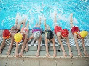 Ini Alasan Latihan Berenang Bisa Tambah Rasa Percaya Diri Anak