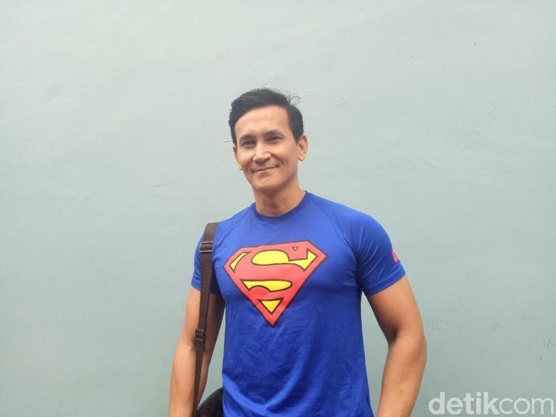 Dikabarkan Dekat dengan Marshanda dan Denada, Marcelino Lefrandt Khawatir