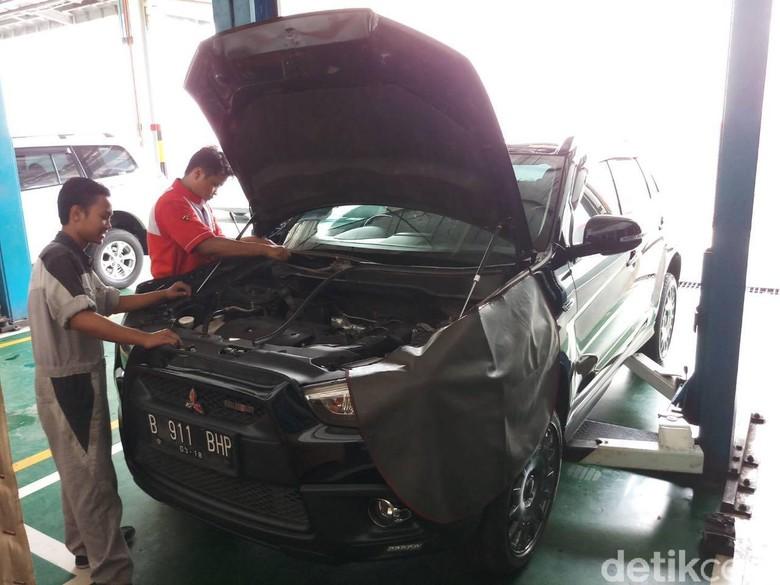Ilustrasi recall mobil di Indonesia. Foto: MitOSI