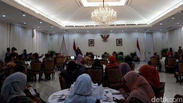Wapres JK bertemu simposium guru besar KAHMI, Selasa (14/11/2017)
