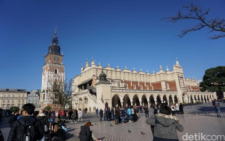 Kota Krakow, Polandia misalnya. Menurut data Statista, traveler bisa menghabiskan sekitar EUR 164 (Rp 2,756) untuk 2 hari berwisata di sana (Odilia/detikTravel)