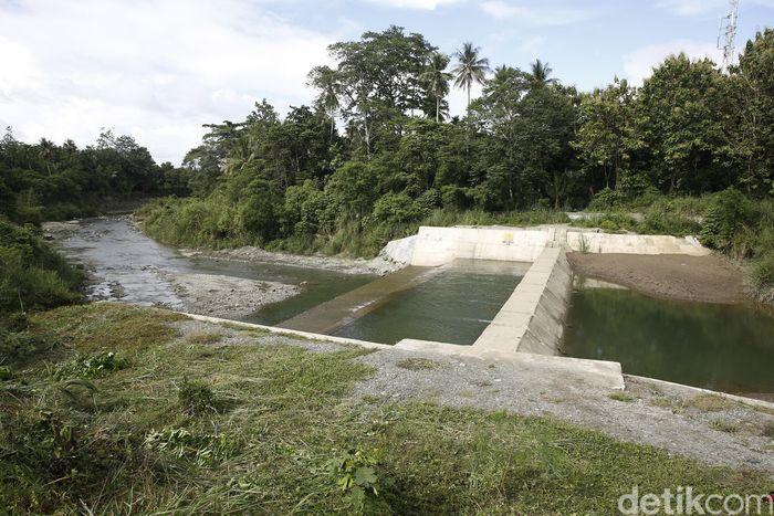 Dam tersebut berlokasi di Sungai Harapan, Kampung Nolokla, Kabupaten Jayapura.