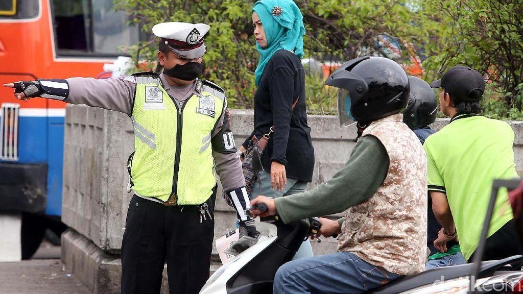 Pelanggar Lalu Lintas Disuruh Polisi Jadi Talent Video Operasi Zebra
