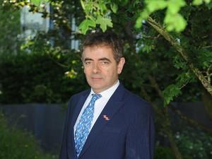 Rowan Atkinson Mr Bean Akan Jadi Ayah di Usia 62 Tahun